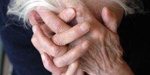 Médias : un reportage d'Envoyé Spécial révèle les abus édifiants de certaines maisons de retraites.  37579_sipa_00508352_000017_0_3_300x150