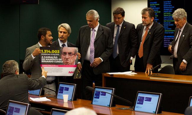 Derrotando um dos políticos mais corruptos do Brasil