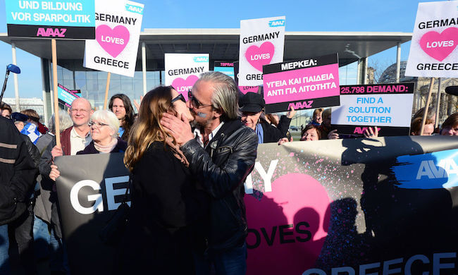 Ein Kuss der Hoffnung für Griechenland